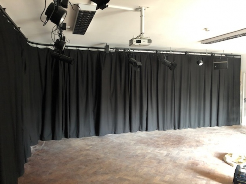 Drama Room Curtains - Barnet -