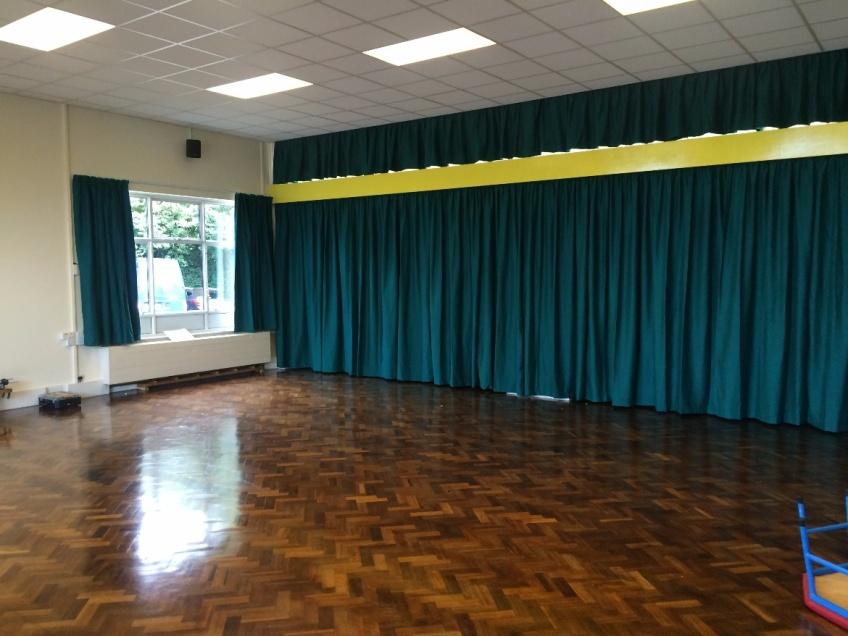 Curtains Gallery 3 - Emmbrook Junior school, Wokingham Sept 2015