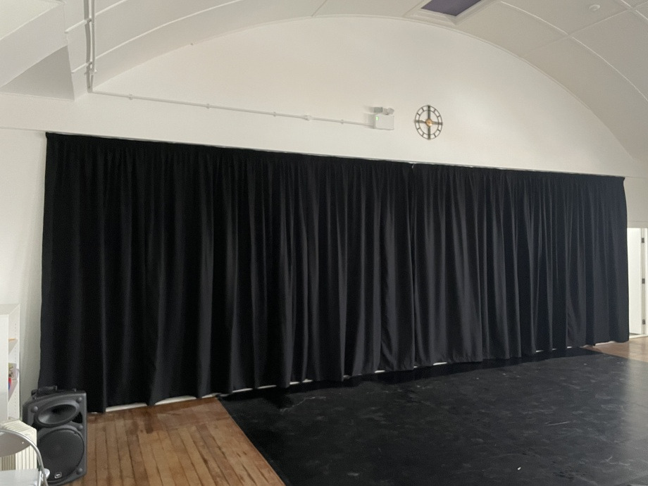 Jac Jossa Academy - Studio Mirror Curtains->title 2
