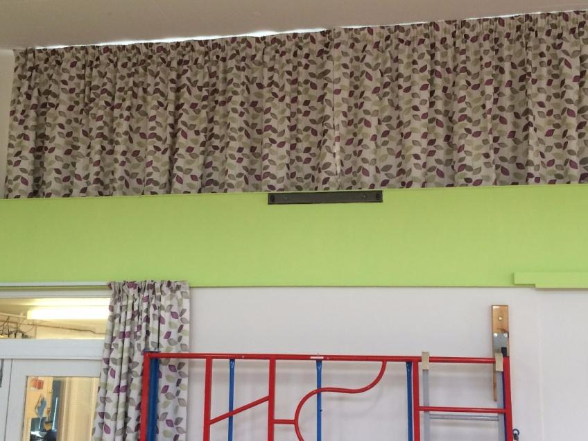 Curtains Gallery 4 - Prae Wood Primary school, St Albans, Hertfordshire June 2016